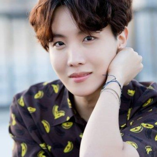 О таланте и личности J-hope === 제이 홉의 재능과 성격에 대해 === About J-Hope's talent and personality